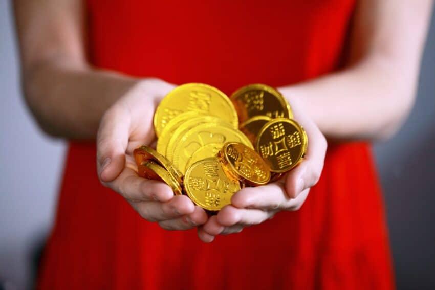 投信積立・春の乱手とコイン